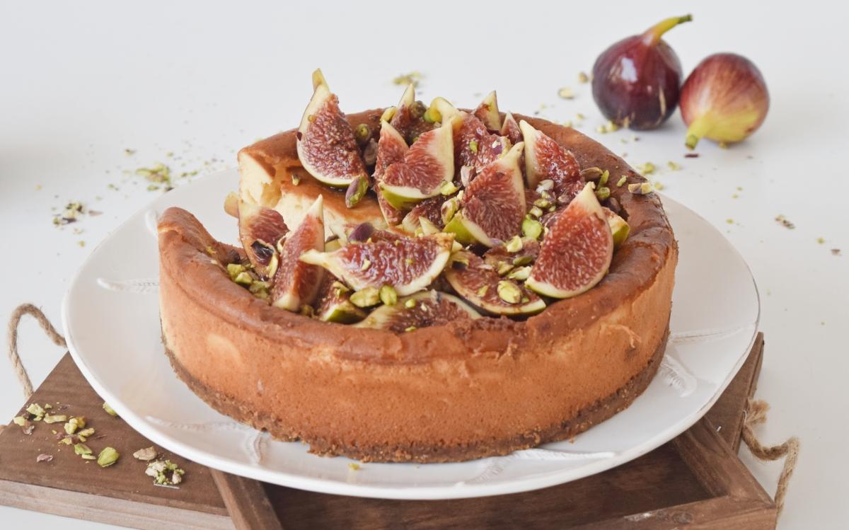 Cheesecake με φρέσκα σύκα & πετιμέζι